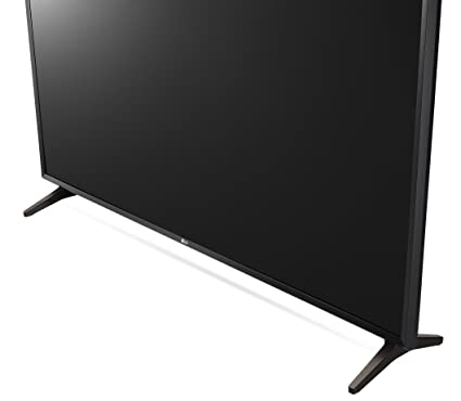 bottom of the LG 32LJ550B 32 Inch Smart TV