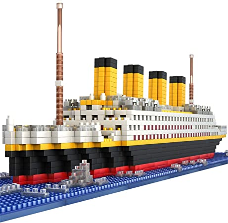 Titanic//Britannic 2 Model set with Iceberg and Sea Mines