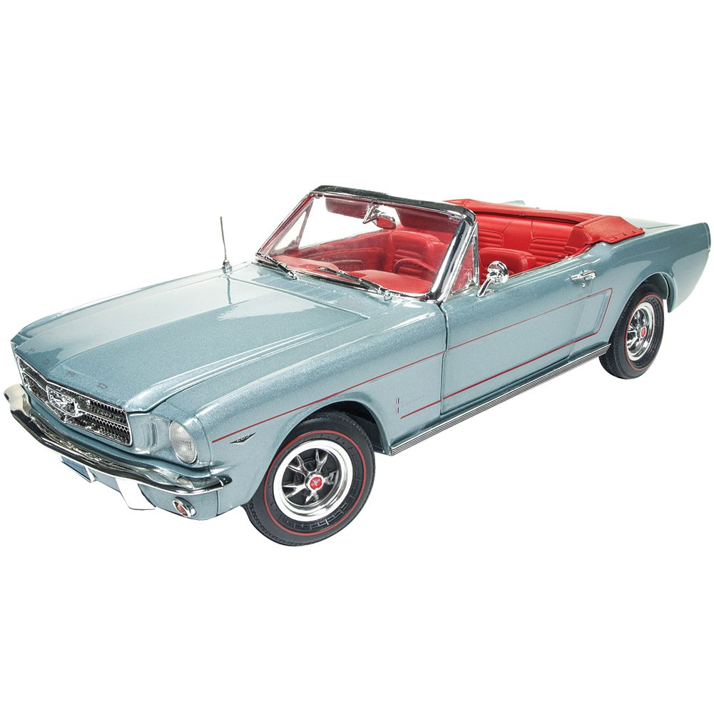 Amazon com auto world 118 american muscle 1965 ford mustang convertible amm1103 toys games