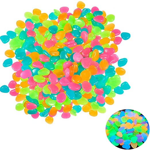 Piedras Decorativas, 100 Unidades, Piedras Brillantes en la Oscuridad, Piedras Luminosas Coloridas para decoración de jardín, decoración de pasillos, macetas, Acuario, pecera, etc.: Amazon.es: Jardín