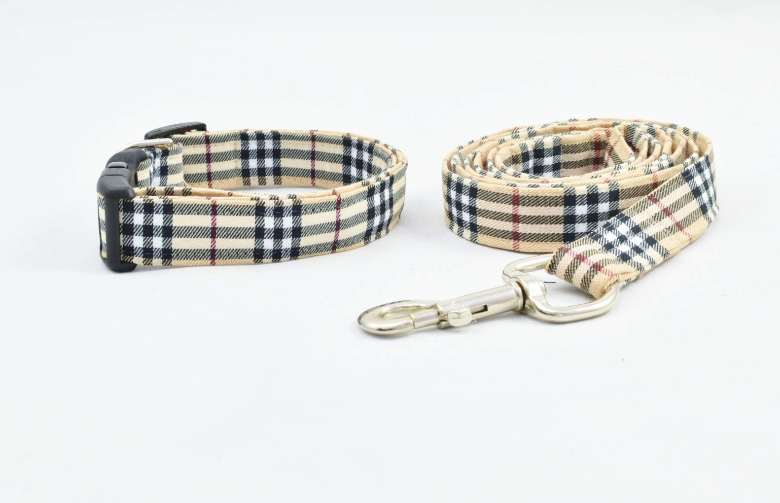 Stunning FURBERRY DOG COLLAR AND LEASH SET in Fashion Nova Check and Famous Designer Plaid