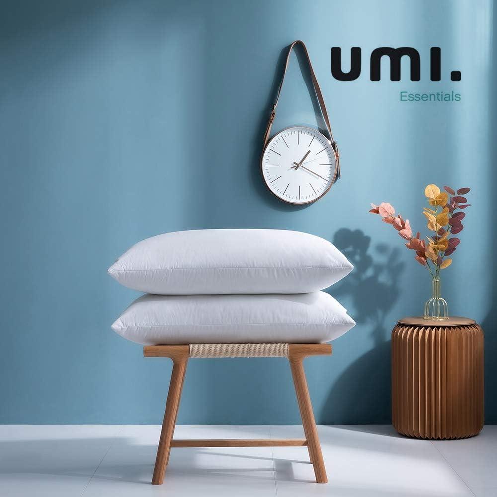 UMI. by Amazon - Pack de Dos Almohadas de Plumas de Ganso Blancas con Tela 100% de algodón (48 x 74 cm, firmeza Mediana)