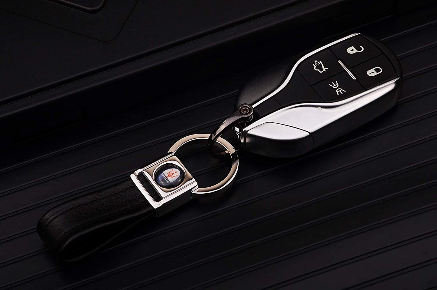 Cadtealir Highlight Stainless steel metal tab lock bucle inlaid with 18k golden chip with full grain nappa leather strap car key chain lanyard clips ring for Renault for men woman accessories