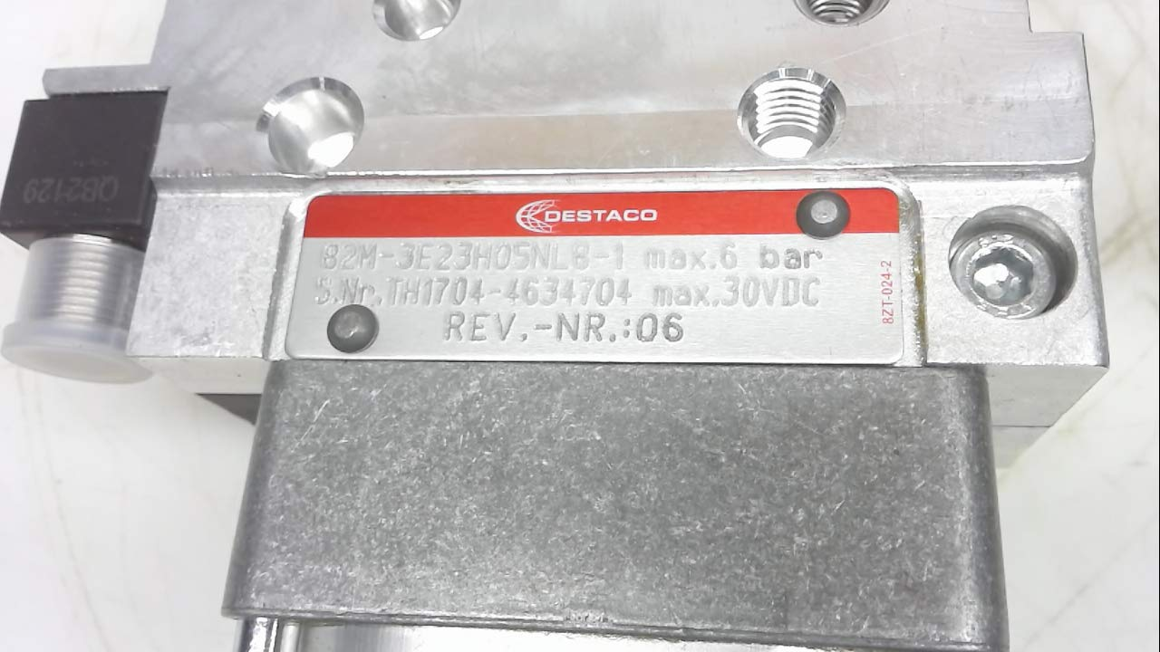 2.5 Overall Length 0.312 Minimum Bore Diameter Solid Carbide Tool 0.375 Maximum Bore Depth Micro 100 FR-033-6X Full Radius Grooving Tool 0.3125 Shank Diameter 0.033//0.034 Groove Width 0.100 Projection AlTiN Coated