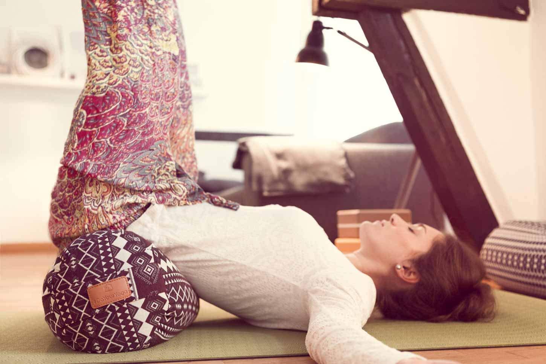 Redonda Yoga Bolster » Krishna « con Bio de espelta (orgánico/Longitud Aprox. 68 cm & diámetro Aprox. 22 cm – Ideal como/Zafu Cojín de Yoga/meditación ...