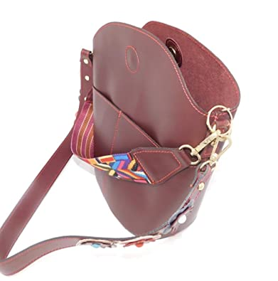 286c744c41405 Luca Lorenzo Stylische bordeaux-rote Handtasche Henkeltasche Woman Bag mit  rot abgesetzten Nähten
