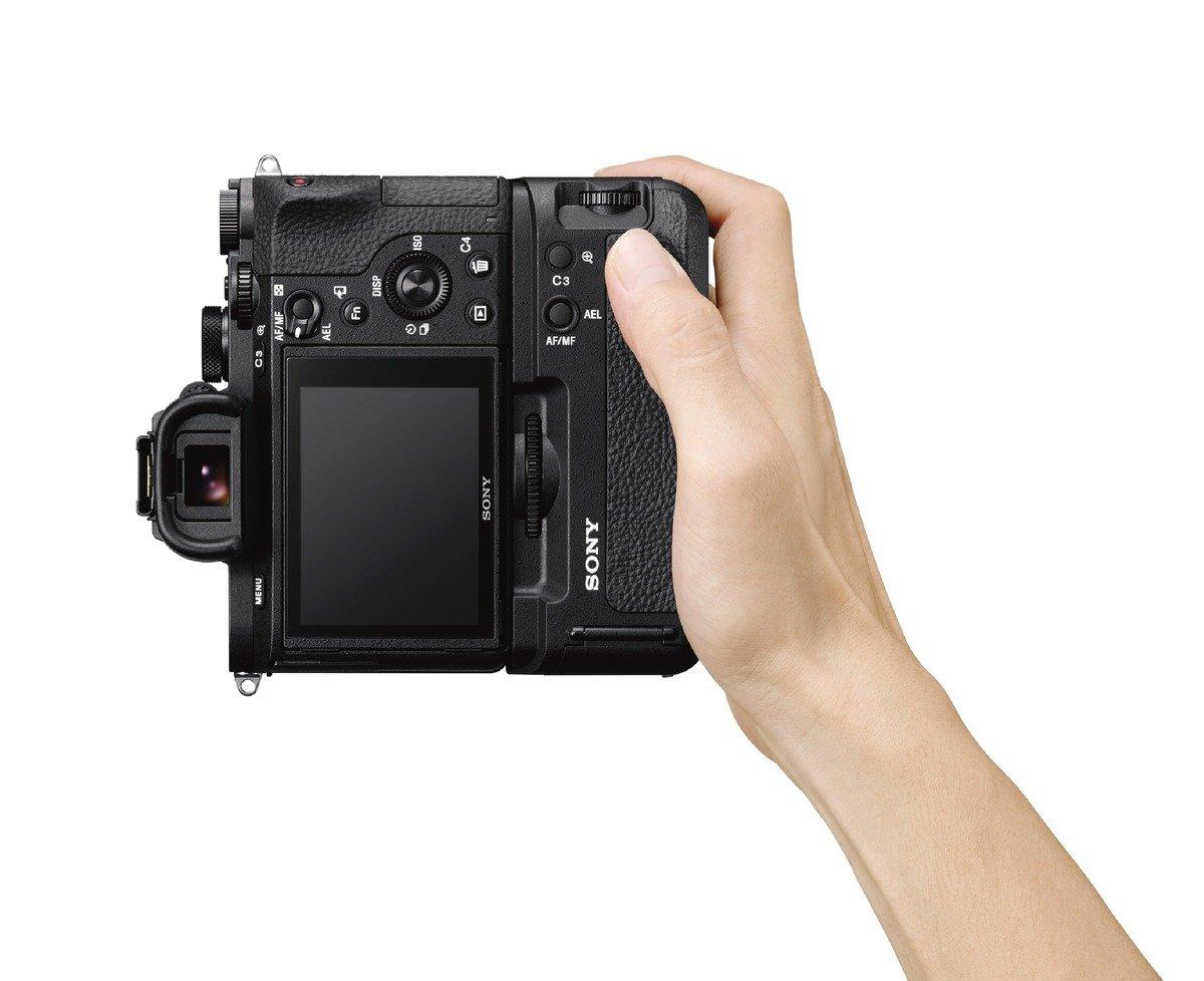 Sony VGC2EM Vertical Grip (Black) by Sony