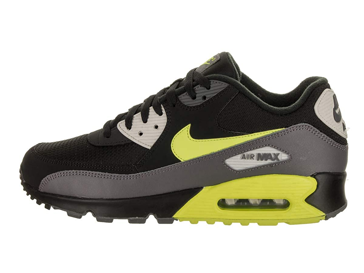 brand new 218d9 6acc2 Amazon.com  Nike Mens Air Max 90 Essential Low-Top Sneakers  Road Running