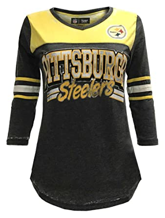 Amazon.com  New Era Women s NFL Pittsburgh Steelers V-Neck T-Shirt 3 ... af5c2a11d