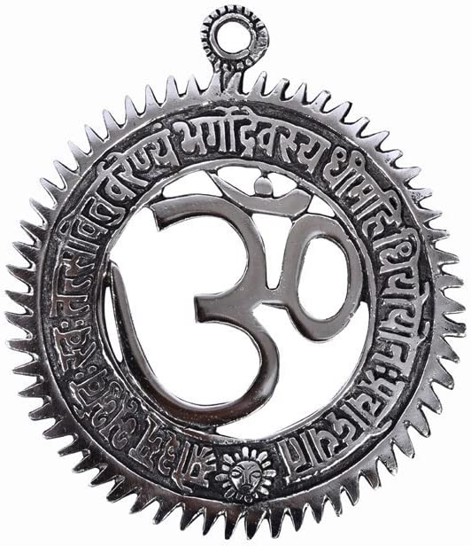 The Hue Cottage Handmade OM Wall Hanging Indian Hindu Religious Metal Idol Sculpture 6 x 5 Inches for Home Decoration Showpiece /& Spiritual Gift Item with Gayatri Mantra