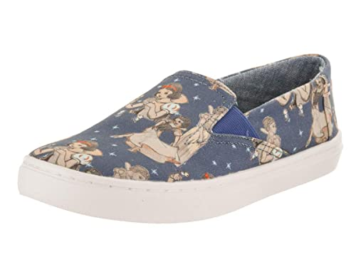233ab4dc01b TOMS Kids Luca Blue Snow White Printed Canvas Slip-On Shoe 2 Kids US   Amazon.co.uk  Shoes   Bags