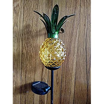 Amazon Com Plow Amp Hearth Solar Hanging Pineapple Outdoor