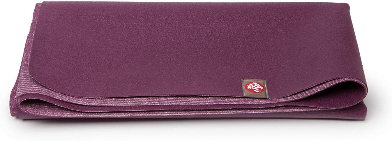 Manduka eKO Superlite Yoga Travel Mat 1.5mm Thick Travel Mat for Portability, Eco Friendly and Made from Natural Tree Rubber. Superior Catch Grip for Traction, Dense Cushioning for Support and Stability in Yoga, Pilates, and all Fitness.