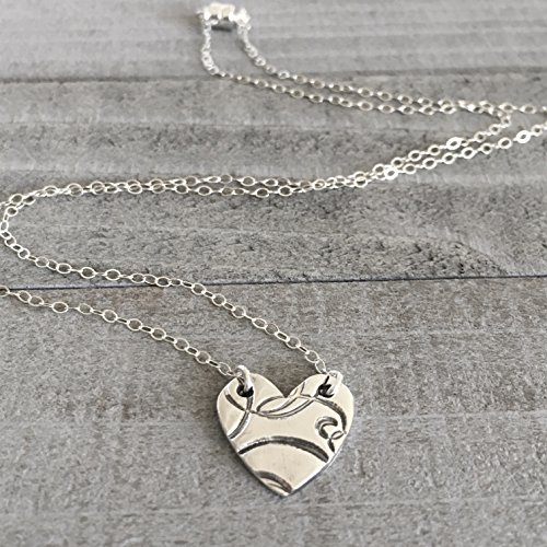 [Silver heart charm, silver heart pendant. silver necklace with elegant swirls stamped and dainty chain for women 18 inches] (Lady Santa Outfit)