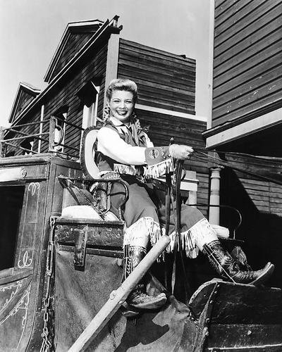 Gail Davis Annie Oakley 8x10 Publicity Photo TV Series On Stagecoach Wagon ()