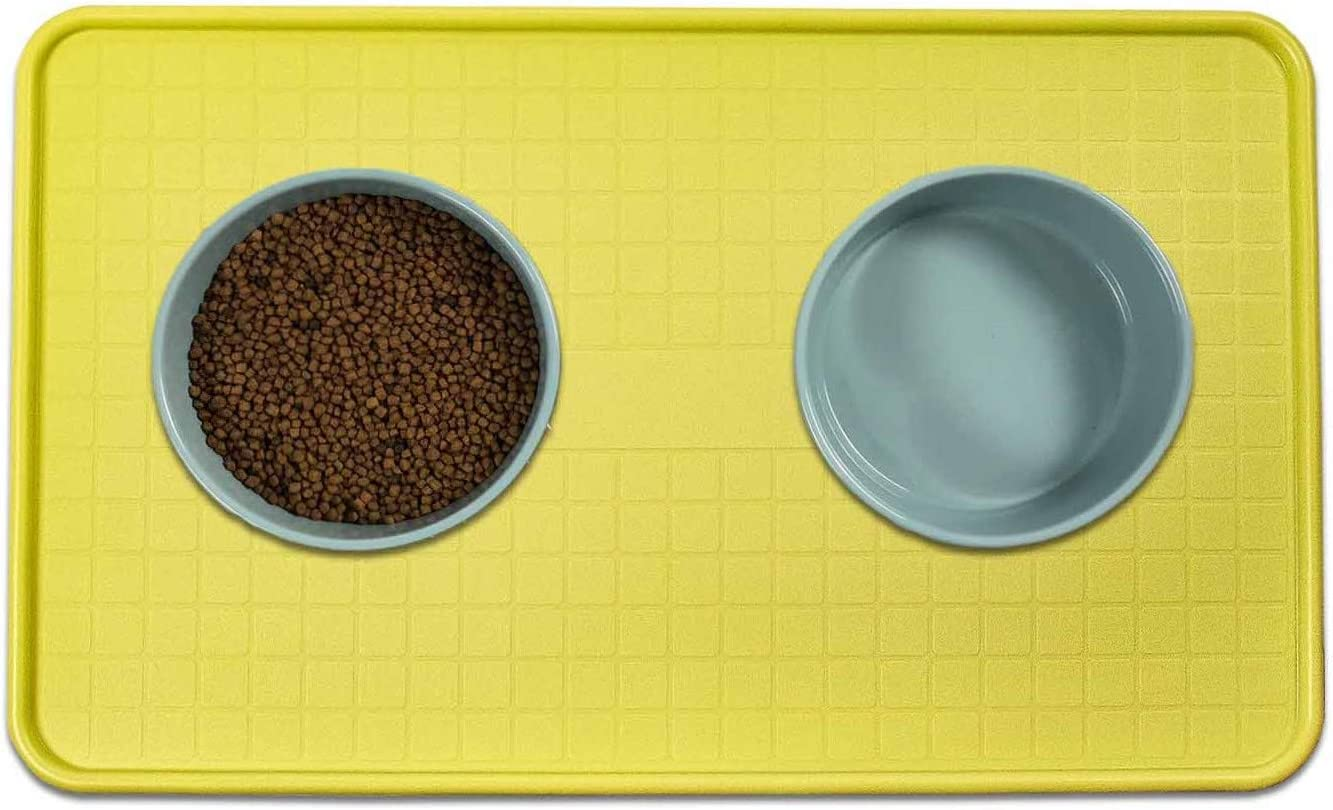 Resilia Pet Food Mat and Boot Tray - Lipped edge to contain spills, Green, 17 inches x 28 inches