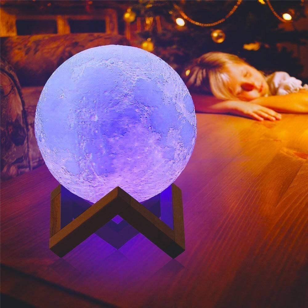 La lámpara Luna en 3D mide 15CM de diámetro (5,9