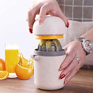 Manual Hand lemon squeezer Juicer with Strainer and Container, Manual Orange squeezer Juicer Portable,lemon juicer for Lemons, Tangerines and Other Fruits (white)