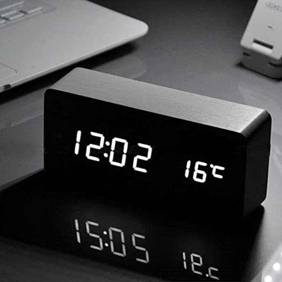 iitrust - Reloj Digital Despertador de Madera con Control de Sonido y LED Brillo de la Pantalla, Negro: Amazon.es: Informática