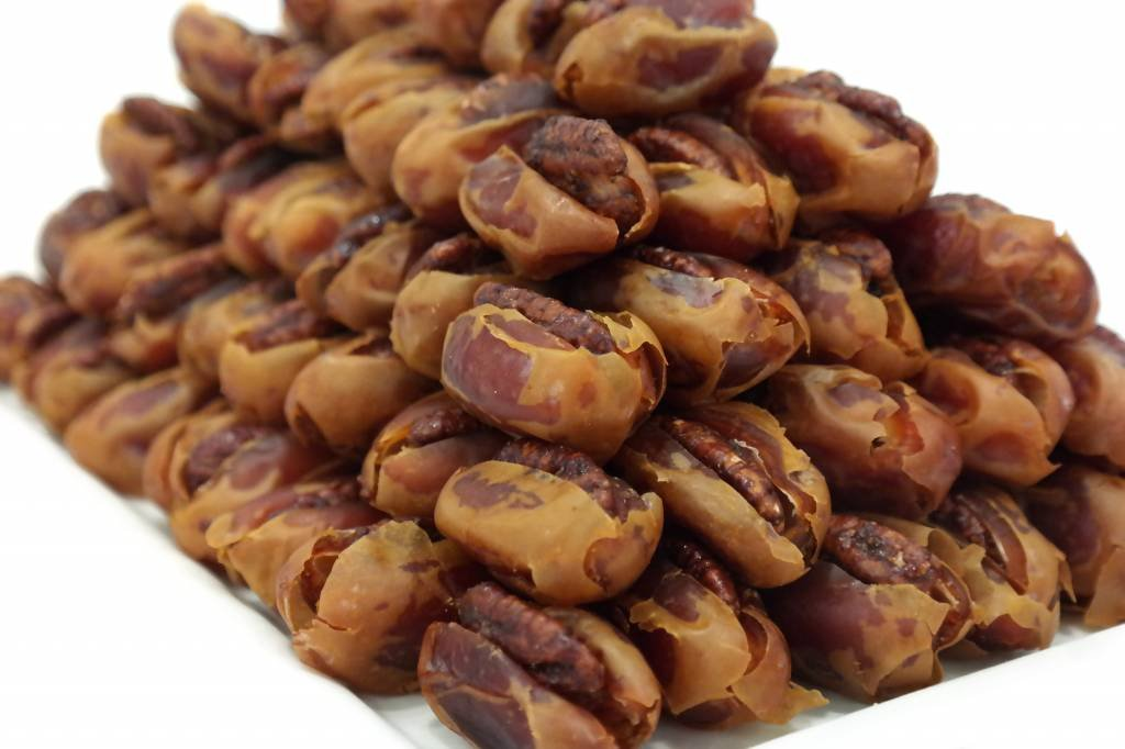 Kholas Gourmet Dates With Caramelized Pecan