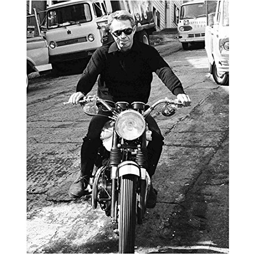Steve McQueen 8 Inch x 10 Inch Photograph The Great Escape Papillon Bullitt Wanted: Dead or Alive B&W on Motorcycle kn ()