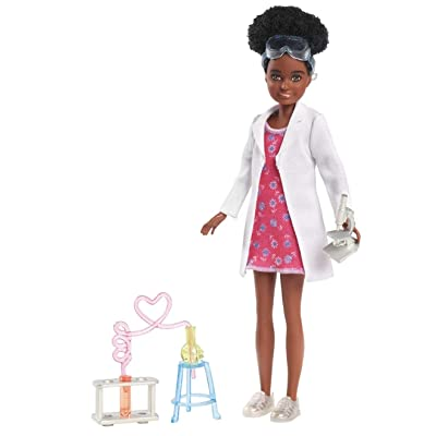 Barbie Team Stacie Friend of Stacie Doll Science Playset with Accessories: Toys & Games