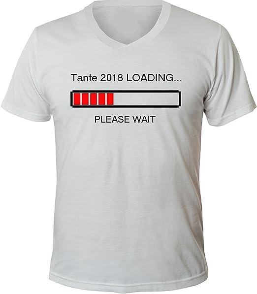 Mister Merchandise Herren Men V-Ausschnitt T-Shirt Tante 2018 Loading Tee  Shirt Neck Bedruckt: Amazon.de: Bekleidung