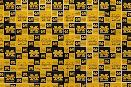 Michigan Wolverines Football Checkered Sheeting Fabric Cotton 4 Oz ()
