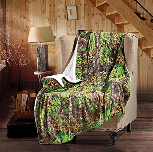 "20 Lakes The Woods Hunter Camo Forest Sherpa Throw Blanket - (Bio Green, 50"" x 70"" Throw)"