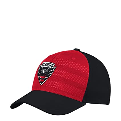 Amazon.com   adidas D.C. United Hat Authentic Structured Flex Fitted ... a55d46535af7
