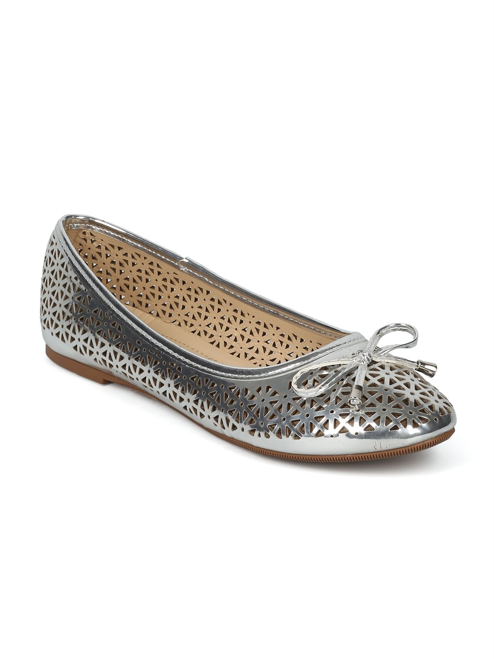 Alrisco Women Round Toe Bow Tie Perforated Ballet Flat HH88 B07D46N59C 7.5 B(M) US|Silver Metallic