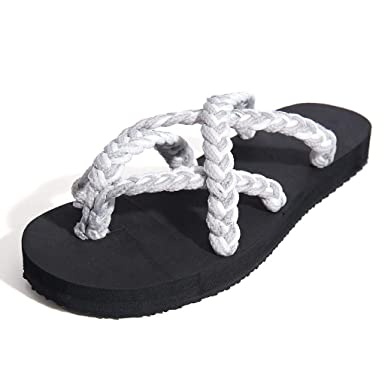 3bd6ae1d80a Amazon.com  Womens Retro Straw Bandage Flip Flops Sandals Ladies Summer  Beach Lightweight Soft Slippers Roman Flats Shoes QAQ  Clothing