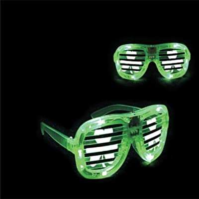 1 Pair LED St. Patrick's Day Shamrock Shaped Glasses Green Light Up Flashing Party Accessory (Shutter): Toys & Games