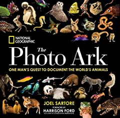 The lush and unique photography in this book represents National Geographic's Photo Ark, a major initiative and lifelong project by photographer Joel Sartore to make portraits of the world's animals—especially those that are endangered. His p...