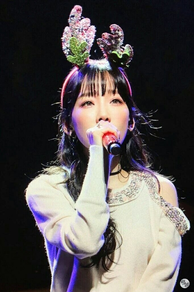 Girl's Generation Taeyeon - [The Magic Of Christmas Time] Special Live DVD+72p PhotoBook+MD Goods SNSD K-POP Sealed by SM ENTERTAINMENT