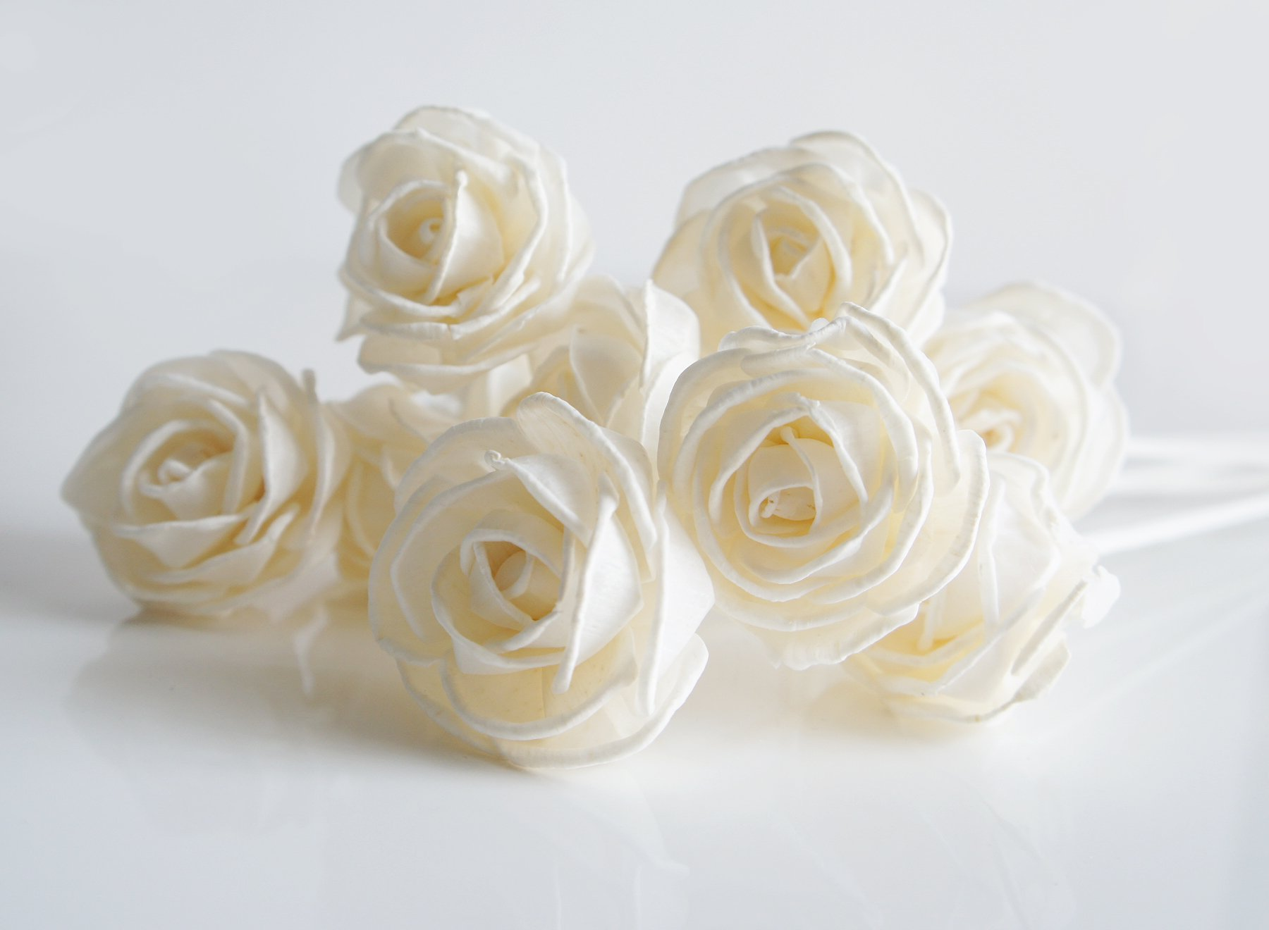 Exotic Plawanature Set of 10 Rose Curl Design 1.5 Inch Sola Wood Flower with Reed Diffuser for Home Fragrance Aroma Oil.