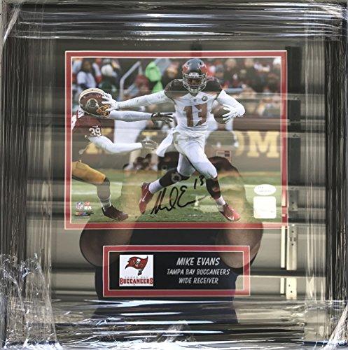 (Mike Evans Signed/Autographed Tampa Bay Buccaneers 8 x 10 Photo - Custom Framed - JSA Certified)
