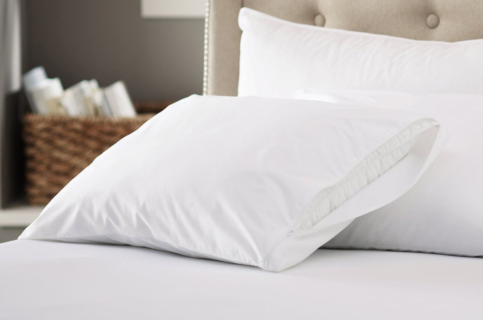 200 Thread Count 100% Cotton Zippered Pillow Protectors (4, King)