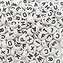 TOAOB 1000pcsレタービーズジュエリーのための白いアクリルプラスチックビーズのアルファベットビーズを混ぜるA to zキューブビーズをブレスレットのネックレスのために丸みを付けた7ミリメートルキーチェーンと子供ジュエリーの商品画像