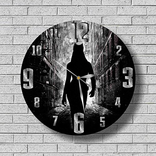 [BATMAN - CATWOMAN WALL CLOCK Quiet Sweep Movement Decorative Battery Operated 11,8 Inch – for devoted fans of DC comics.] (Anne Hathaway Catwoman Costumes)
