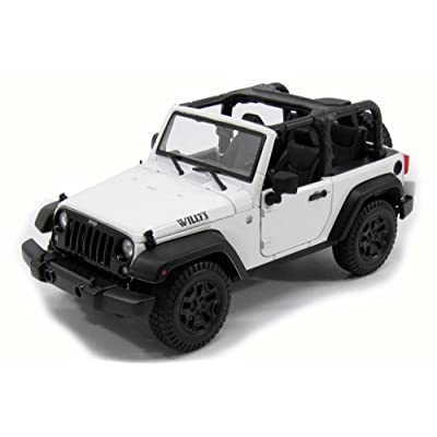 2014 Jeep Wrangler Willys White 1/18 by Maisto 31610: Toys & Games