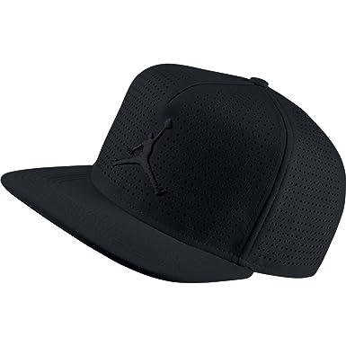 NIKE Mens Jordan Jumpman Perf Snapback Hat Black 835339-010  Amazon ... 56760b38e378