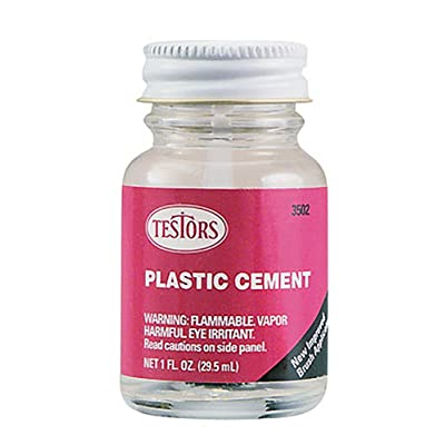 Testors Plastic Cement Liquid 1 Oz: Toys & Games