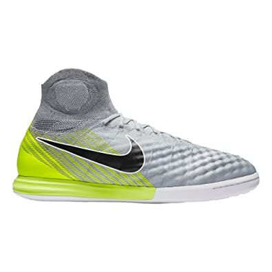 new product 4b8d0 41daf Amazon.com  Nike Mens Magistax Proximo Ii Soccer Shoes  Socc