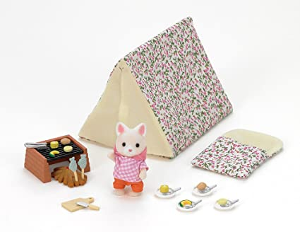 a1251c2081 Amazon.com: Calico Critters Seaside Camping Set: Toys & Games