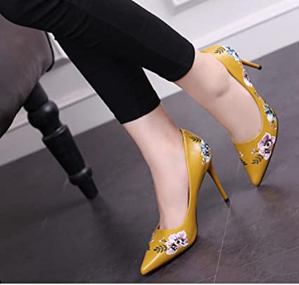 2b28502b7 SDKIR-National Style zapatos bordados de flores Shallow señaló tacones  altos zapatos de otoño Treinta