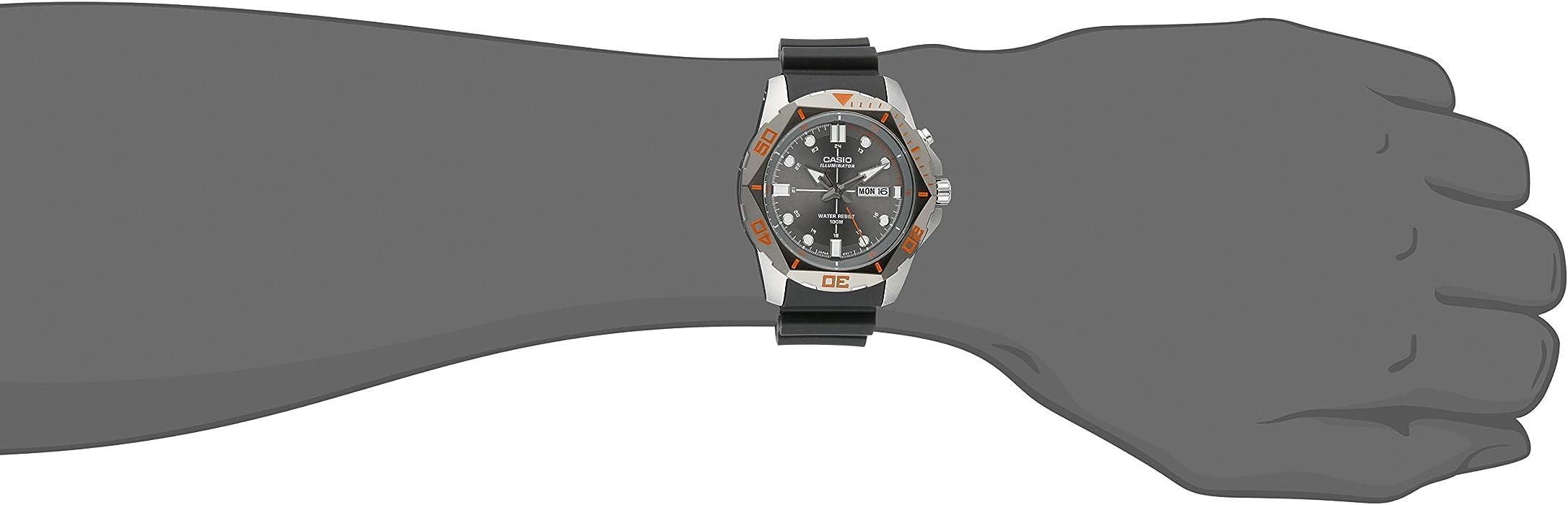 Mens MTD-1080-8AVCF Super Illuminator Diver Analog Display Quartz Black Watch