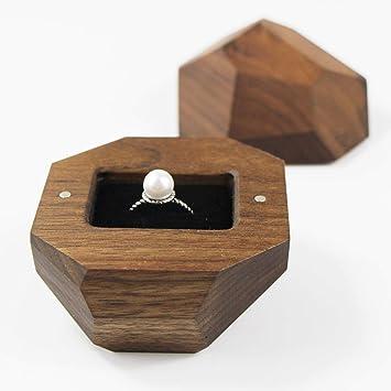 Caja de madera Uooom para anillo con forro de terciopelo negro ...