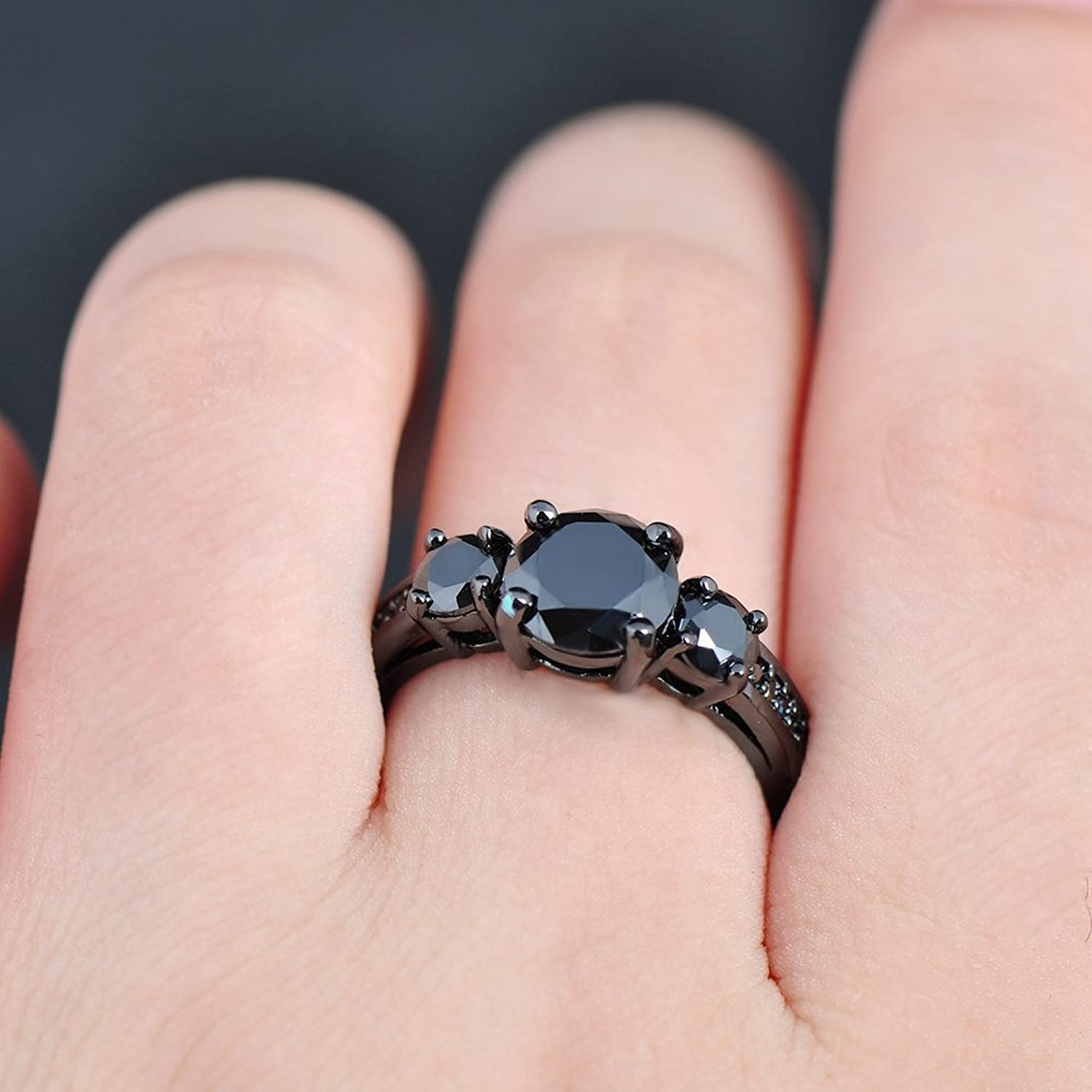 Amazon.com: Junxin Round Cut Black Gold Three-stone Diamond ...