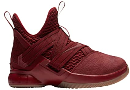 cheap for discount d7e2a 5d12f Image Unavailable. Image not available for. Color  Nike LEBRON SOLDIER ...